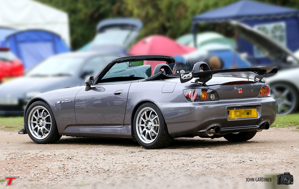 The Ings+1 wing made this S2000 stand out from the others at JAE. Simple modifications but very effective.