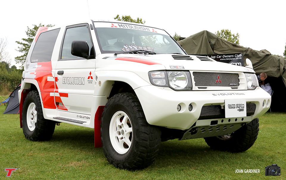 Here is something you don't see everyday. The Dakar inspired Mitsubishi Pajero. The owner of this has just had the engine fully rebuilt and travelled all the way from Glasgow to show this fine example off at JAE.