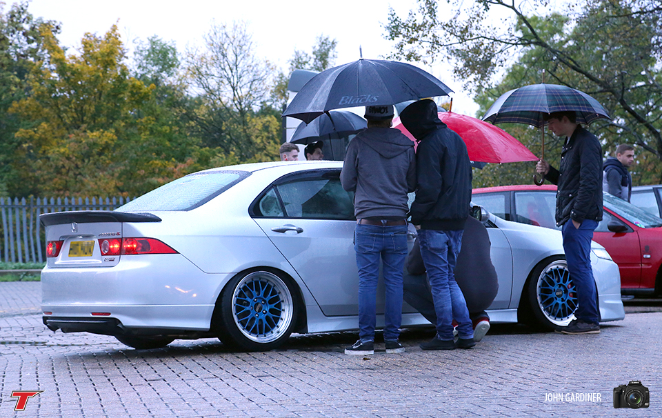 We have seen this accord at a few events this year, we spoke to the owner at JAE and it isn't bagged, its on coilies.. Speed bumps are not it's friend one bit!