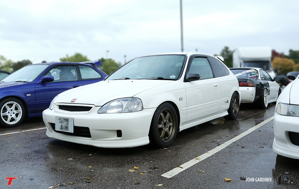 EK sitting pretty on TE37's.